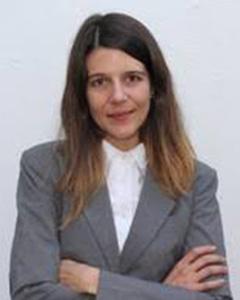 Dr Anri Manderson